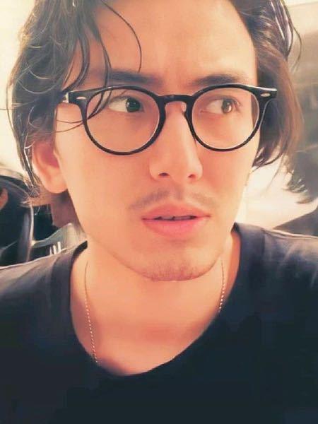 藤井風さんの眼鏡度数どのくらいだと思いますか?だいたいでいいです