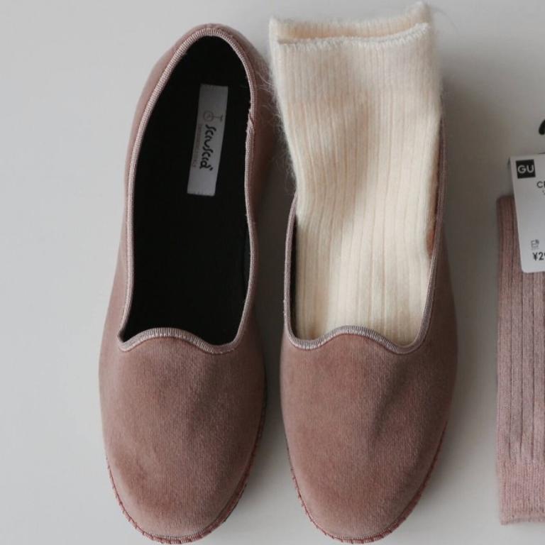画像の靴のブランド名が知りたいです。 わかる方お願いします。