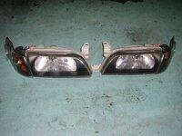 カローラワゴンBZツーリングとカローラFX(共にAE101)のヘッドライトとフロントウインカーは共通ですか?