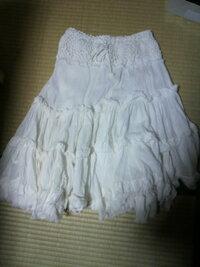 このスカートのコーディネートたくさん教えて欲しいです。 ガーリー系 目指してます。