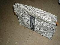 エルメスの布系を自宅で洗う方法(洗剤名、洗う手順)を教えて下さい。白布なので汚れが目立ちます。宜しくお願い致します。