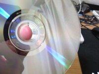 windows7がインストールできない WindowsXPHome(32bit)→Windows7Ultimate(32bit)にアップデートしようとしてるんですが、 DVDをうまく読み取ってくれません。 BIOSの設定で優先順位を変更したりしてみたんです...