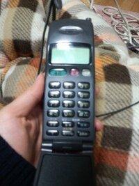 この携帯電話はいつ頃発売されたものなのでしょうか? また当時この携帯電話は普及していたのですか? (ちなみにパナソニック製です)
