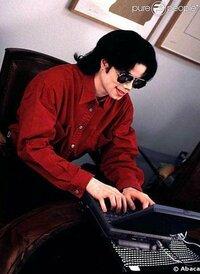 マイケルジャクソンの大ファンなんですが、お勧めの画像はありませんか?お願いします