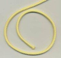 探しております。 画像のような、アクリル製?の紐(ロープ)ですが、100円ショップには1番太くて1センチまでしかありませんでした。  1.5センチ~2センチの紐を探しております。 安価で10メートル位で探しております。  どこに売っているかご存知の方いましたら教えてください。  宜しくお願い致します。