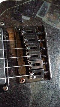 ギターのブリッジのイモネジ  交換したいのですがギターのメーカー種類問わず同じでしょうか?  私のはアイバニーズRGなんですがサウンドハウスとかのイモネジ買えば大丈夫でしょうか?