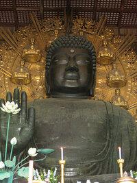 【ばやこの大喜利】  奈良の大仏が、寺の和尚さんにめっちゃ怒られています。  その理由は?