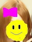 このプリクラの髪の毛は、何系の色になるのでしょうか? 美容師の方おねがいします! また、何と美容師さんに伝えたら、こんな感じの色になりますか?