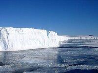 地球温暖化は金儲けの為の口実とか言ってる人へ? ではどうして北極の氷は溶けてるの?この事実は変わらないけど。 まるで貧乏子ありが子供手当てや他人の納めた税金に集りたくて高齢者問題を少子化問題とくっつ...