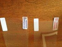 液晶保護フイルムの貼り方がわかりません。 サンワサプライのiPhone 4S・4バンパー(アルミ製・レッド) 200-PDA071Rを購入しました。  http://direct.sanwa.co.jp/ItemPage/200-PDA071R  液晶保護フイルムが表...