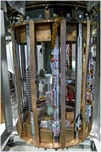 『超電導技術で蓄電システム 鉄道総研など開発進める』 2012/11/09  ⇒ これって、既存蓄電池のコストの1/10以下になる? その実現性や、実用化のめどはいつごろですか?     ・・・ 『超電導技術で蓄電システム 鉄道総研など開発進める』 2012/11/09 電気新聞    「再生可能エネルギーの普及に伴って必要となる大規模蓄電システムに、リニアモーターカーに...
