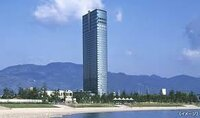 ● ホテルの宿泊階数はどうして決める? レイクフロアツインルーム36㎡(5~20階)禁煙  プリンスホテルを予約したのですが、宿泊階数はどうして決めるのですか? 誰しも殆どが上層階を希望すると思いますが、...