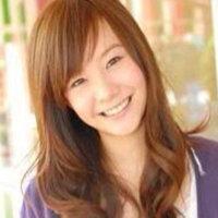 タイ人って何で顔が中国人や日本人よりなんですか?  下のアイドルもタイ人です。  中華系でしょうか??  タイには、インド人やベトナム人や名倉潤みたいな黒くて濃い顔立ちもいるんですか??