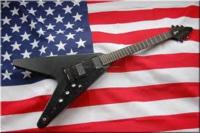 gibson flying v gothic   このギターが個人的に  めっちゃかっこいいとおもいます。  皆さんはどう思いますか?