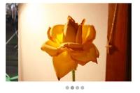 jqueryのスライドショーを実装。 現在、添付画像のようにスライドのズレが直せません。 参考にコピーさせてもらったのは下記サイトです。 http://black-flag.net/jquery/20120215-3671.html どう修正が必要でしょうか><