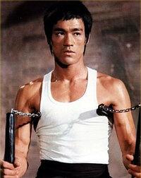 自分が全盛期のブルース・リーよりも強いという 自信を持つ格闘家や武道家の方はいますか?