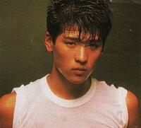デビュー当時の吉川晃司の髪型は、いまでゆうとどんな髪型なのですか。また、このような髪型にする時、床屋さんにはどう言えばよいのですか?