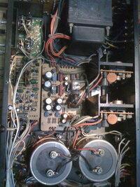 オーデオファンの方でアンプやプレイヤーのコンデンサーやトランスやレンズの修理や交換って自分でされる物でしょうか?