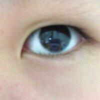この目って二重になる可能性はありますか?  寝起きや目をこすると少し二重になります。  あと目頭が周りと違い変で下まぶたが目頭から出ていません。  これは何ですか?  あと蒙古ひだって何ですか? ...