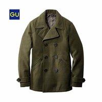 guのオリーブ色のPコートとRAGEBLUEのグレーのPコートの両方に合うのはボトムスとチノパンどちらが合いますか? また、色も教えてください! 写真は、guのPコートです。