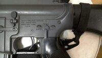 東京マルイのM16A2セレクターの刻印はAUTOですが実銃ではBURSTですか? 実銃のM16A2はフルオートではなくて3点バーストなのでどうなのかなと思ったので。 写真はマルイのです。 回答宜しくお願いします。