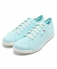 水色(ライトブルー)のスニーカーに合う靴下を教えてください!  上は白いワンピースです。 アドバイスお願いします><