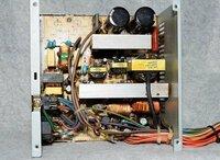 オーデオのアンプやPCの電源のコンデンサーやトランスなどを自分でコンデンサーを買ってきて修理するのって、かなり無意味な事なんでしょうか?コンデンサーだけでもかなりの値段しますが、