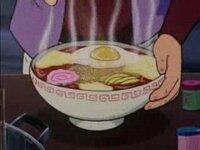 銀河鉄道999のラーメンの卵は、生卵ですか  見た感じ、目玉焼きと思うのですが…