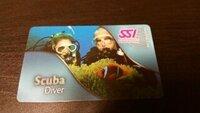 ダイビングライセンスについてです。  知識ないので恥ずかしいのですが、 三年前くらいにSSIにて写真のライセンスカードを 取得しました! カードにはscuba diver とかいてあるのですが 、これはcカード...