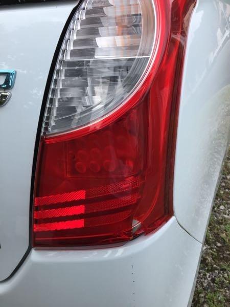 車のテールランプの修理費について。恥ずかしながらこの前バックに失敗してテールランプが破損してしまい