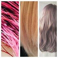 《至急お願いします!》 写真左のピンクをブリーチしてムラシャンしたら、現在真ん中のサーモンピンク?みたいな髪色になりました。(途中でブリーチ剤が足りなくなりやめました)  右側のような色にしたいのですが、これからどのようにして、どのようなカラーを入れればいいのでしょうか?アッシュグレーにピンク、またはアッシュミルクティーにピンクのような髪色にしたいです。無理そうなら今より暗くしたいのでせめて...