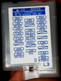 マークX120系にETCを取り付けたいのですが、助手席のヒューズボックスから電源をとる場合、常時電源とACC電源をどの場所を選べばよろしいのでしょうか?自分で取り付けるのは初めてですので、よろしくお願いいたしま す。