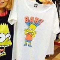女子大生です。 このTシャツを外に着て行くのってアリだと思いますか? また、アリだとしたら合うコーディネートを教えて下さい!