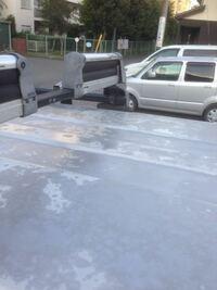 ジムニーですが、屋根の塗装がハゲてきています。クリア塗装してもダメでした。どうしたら良いか教えて下さい