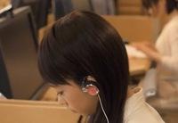 「おんなのこきらい」という映画で森川葵が使用していたみみかけヘッドホンの種類が知りたいです。