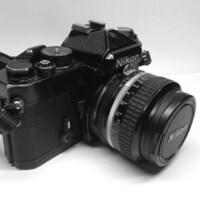 フイルムカメラのニコンFEは、人気はどの程度ありますか、 フリマアプリで売るのに、いくらくらいで売れますか?