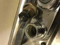 食洗機を自分で取り付けるために分岐水栓をつけようとしています。 内ネジか外ネジで分岐水栓の種類が異なるということで、自分では判断しきれませんでしたのでどなたか教えていただけないでしょうか? 電化製品...