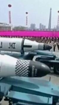 北朝鮮のミサイルにはフリーメイソンリーのチェックボードシンボルが使われていますね。
