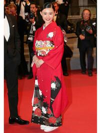 杉咲花さんが、カンヌ国際映画祭で着ていた 着物はどこのものか分かりますか?