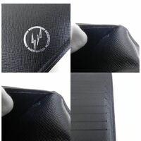 ルイヴィトンの財布にあるこの雷マークのようなものはなんでしょうか??