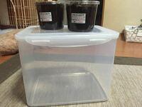 グランドシロカブトの幼虫を2匹買いました。 このケースで2匹同時に育ても大丈夫ですか??