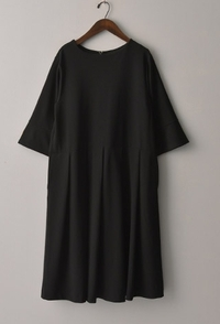 このワンピースは喪服として着れますか?