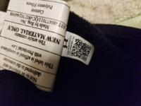 最近中古で4200円程度で買ったアンダーアーマーのパーカー なんですが、Made in Vietnamと書かれているのにタグについてた合格証?には上海で検査したような表記がありました。  一応ついてたバーコードを読み取...