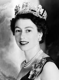 エリザベス女王は 白人の中でも美人な方になるのでしょうか?