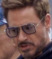 アベンジャーズ インフィニティウォーの冒頭でトニースタークが着用していたサングラスがどこの物か教えて下さい。※写真参考