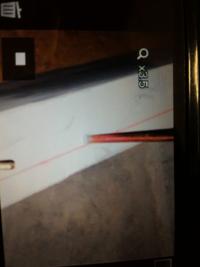 ホールダウンアンカーボルトの位置について教えていただけないでしょうか?画像の赤墨が土台の端だとすると、位置に問題ないでしょうか?土台の肉厚が薄すぎると思います