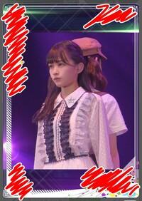 欅坂46の某ゲームアプリで、原田さんの奥にいるのは誰ですか?小池さんですか?