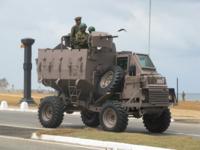 装甲車ってそんなに開発するのが難しいんですか? 小松製作所が防衛省要求を満たせなくて次期装甲車の計画が白紙になりましたけど、戦車と比べて装甲車は先進国でなくても中小国でも国産で開発してますけど、防衛...