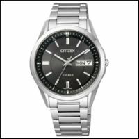 35才の男ですがシチズンのエクシードがいいなと思っています。ビジネスとプライベート兼用で使用するのですが 年相応の時計でしょうか? 欲しいのは画像の時計です。