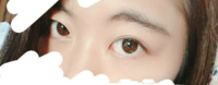三白眼です 目付きが悪いって良く言われて 睨んでないのに睨まれたって言われます……。  この目を生かしたメイク教えて下さい